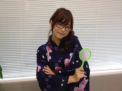 眼鏡をかけた立花理香