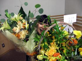 100929花に囲まれ、ほんとうにありがとうございました.jpg