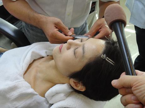 顔剃り.JPG