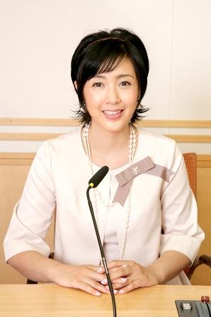 マイク前の桃子さん!22年ぶり文化放送でパーソナリティ.jpg