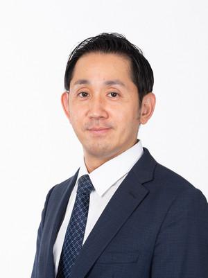 谷田千里‗2018年10月正面右向き.jpg