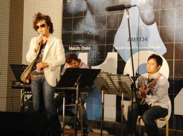 hayashida_live.jpg