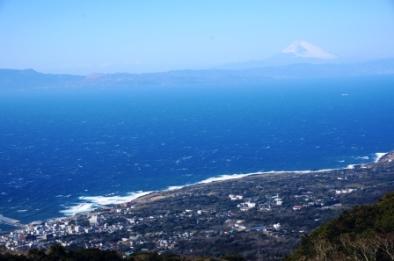 大島と富士山.JPG