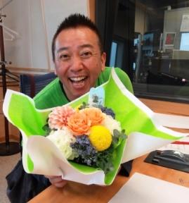 お花と師匠!.JPG
