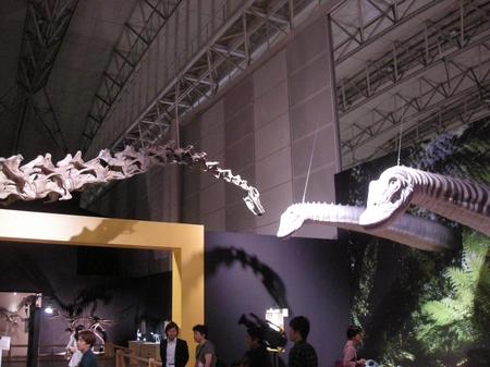 メッセだけに巨大な恐竜がいっぱい.JPG