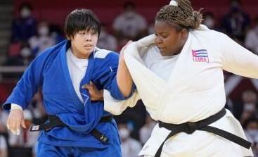 柔道女子78キロ超級で素根輝が金メダル