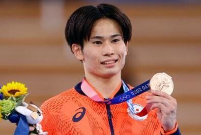 体操男子種目別あん馬で萱和磨が銅メダル獲得