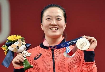 重量挙げの女子59キロ級で安藤美希子が銅メダル獲得!