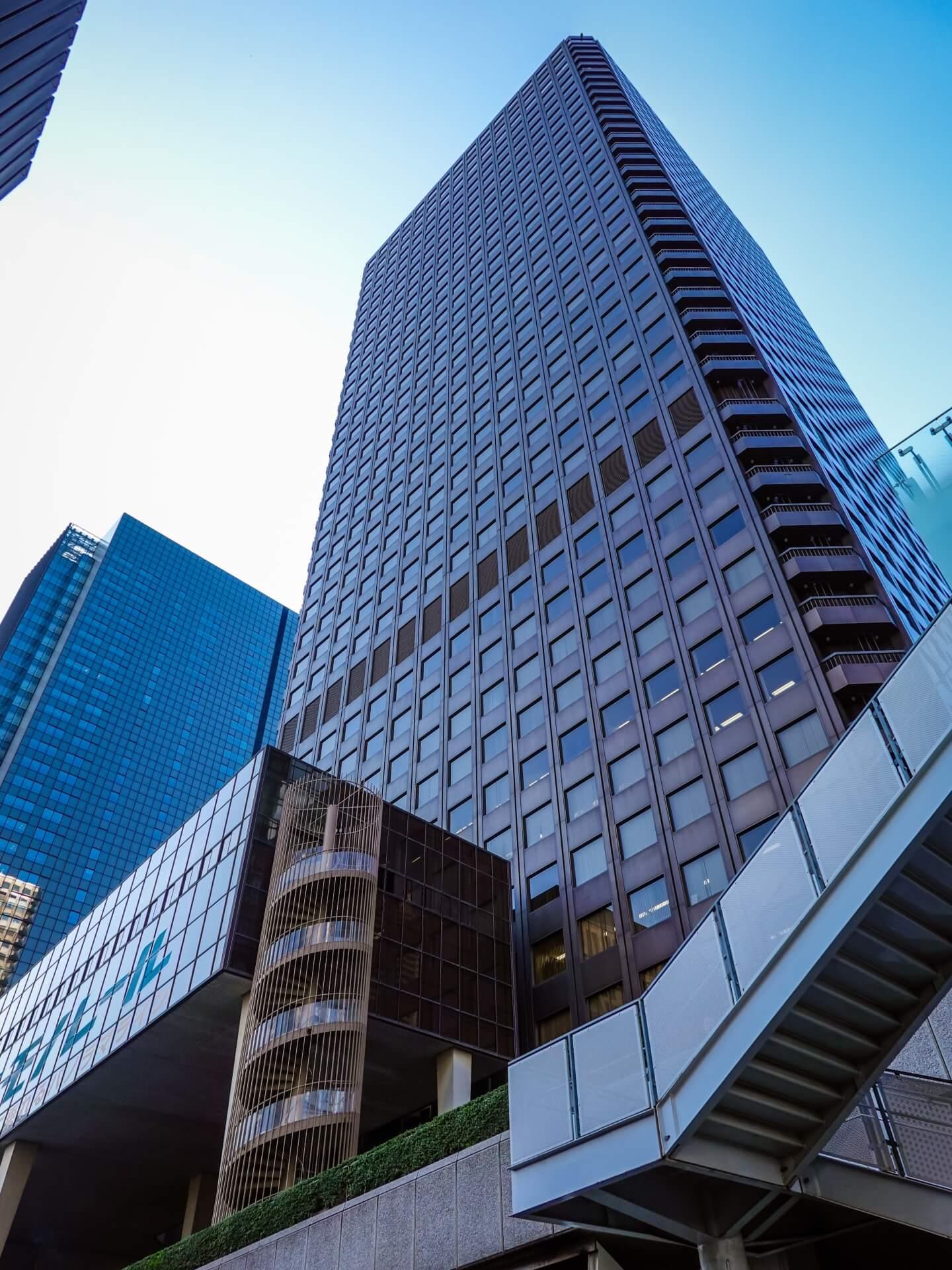 日本一高かった超高層ビルを解体せよ!建物に竪穴を開けて解体部分を降ろす新工法~10月8日「くにまるジャパン極」