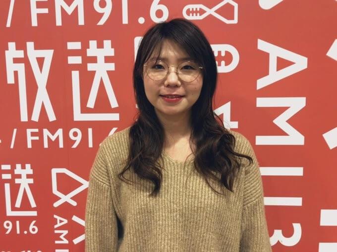山﨑ケイ、長谷川アナは社内恋愛「会議室ではなくエレベーター内でキス!?」『卒業アルバムに1人はいそうな人を探すラジオ』